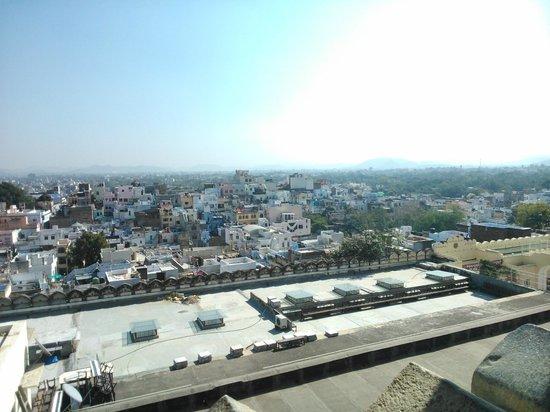 Madri Haveli: Vista desde la terraza - comedor
