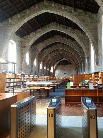 Hidden City Tours - Private Tours: Visitando la Biblioteca de Catalunya