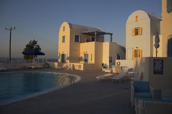 Maria's Place: piscina
