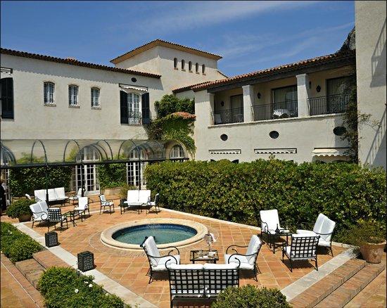 Chateau Saint-Martin & Spa: The terrace