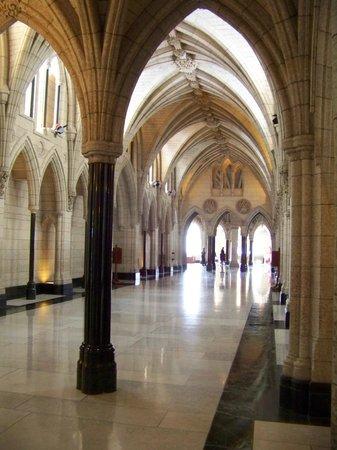 Colina del Parlamento: Parliament building