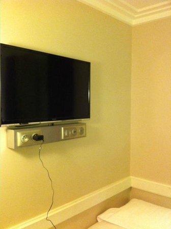 Hotel Elysee Gare de Lyon: televisore