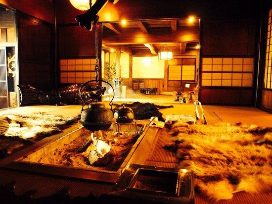 Yumoto Choza: ロビー  囲炉裏