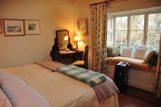 Adare Irish Cottages: Master Bedroom in The Stone Barn