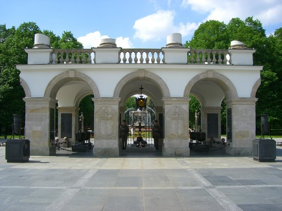 Tomb of the Unknown Soldier (Grob Nieznanego Zolnierza) : 正面