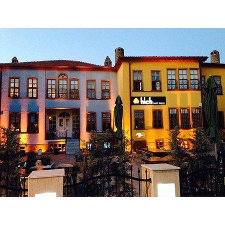 Hich Hotel Konya : Hotel in den Abendstunden