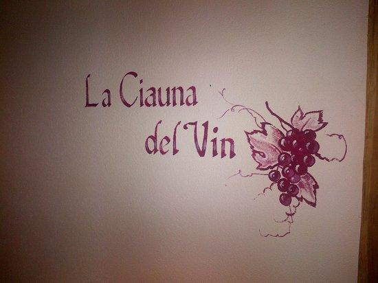 Hotel Gran Paradis: la  ciauna del vin (cantina dei vini)