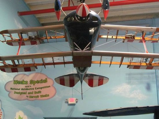 Polk City, FL: A plane designed and built by Kermit Weeks used in competition