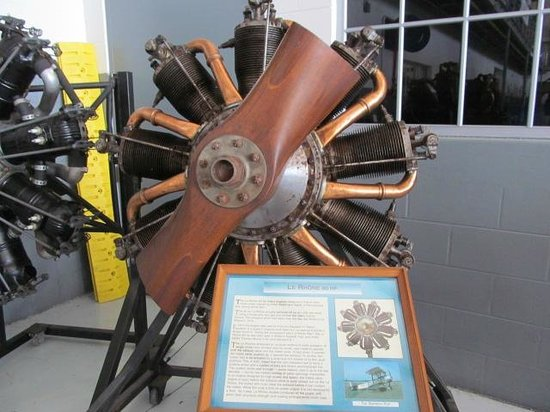 Fantasy of Flight: A rotary engine on display