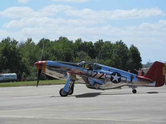 Fantasy of Flight: The Macon Belle from the air show