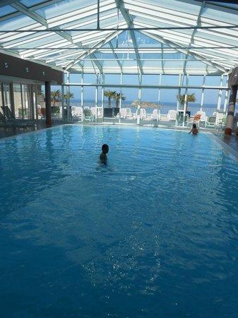 Pierre & Vacances Résidence Premium Le Coteau et la Mer : piscine géniale !