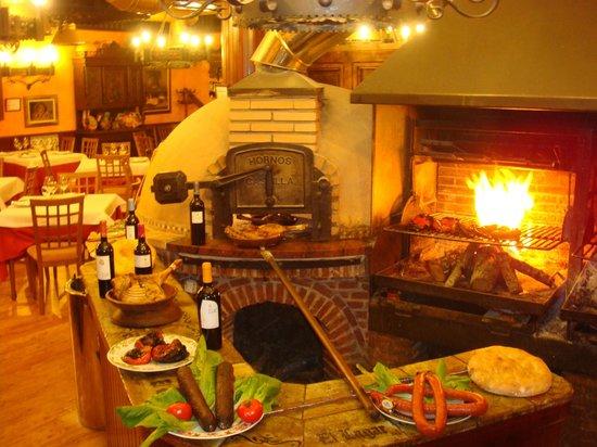 El Lagar De Isilla : Comedor con Horno de leña