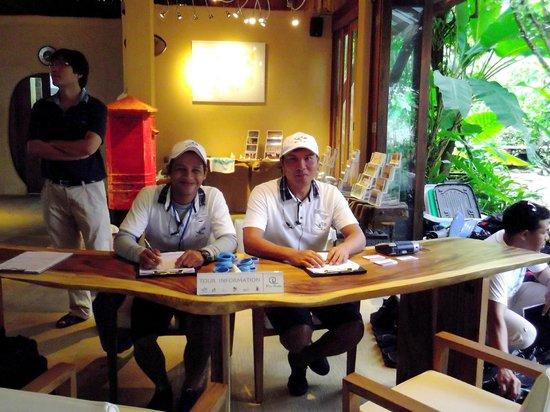 Blu Anda: Reception at Pier 88 - happy people!