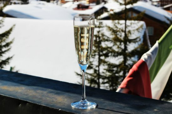 Hotel Kristberg: Prosecco on the beautiful terass which always had sun.