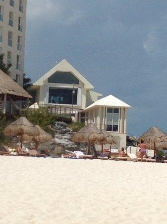 Sunset Royal Beach Resort : SPA Y SALA DE GYM VISTA A LA PLAYA