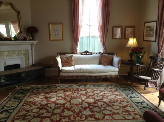 Maison Perrier: Sitting Room
