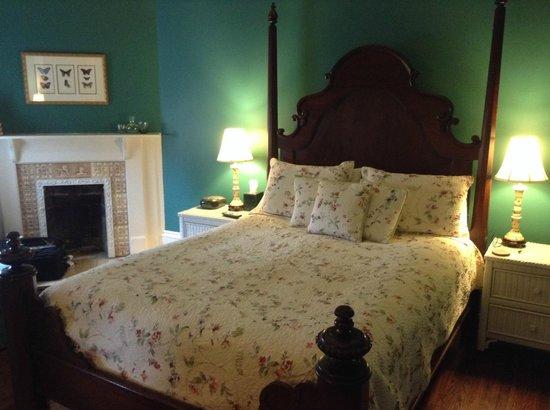Maison Perrier: My lovely room