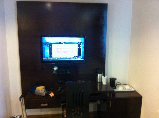 Hotel Elegance : Tv