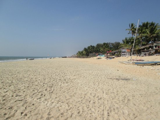 Anthy's Guest House: View of the beach and anthy's