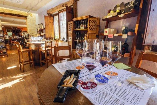 Bodegas El Lagar de Isilla: Degustación de vinos El Lagar de Isilla