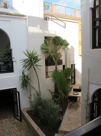 Riad Dar Nimbus  |  Bab Taghzout - 40 Diour Jdad, Marrakech 24000, Morocco