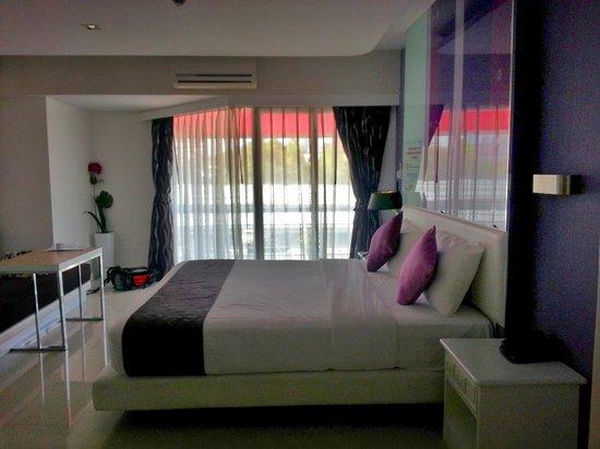 Hin Nam Sai Suay: Room