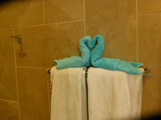 La Gaviota Tropical : Extra touch for our bath towels!