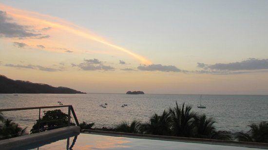 La Gaviota Tropical : sunset from rooftop pool
