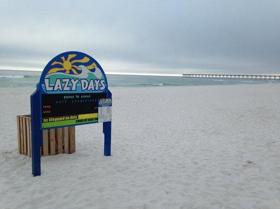 Hilton Pensacola Beach: white sand, blue water