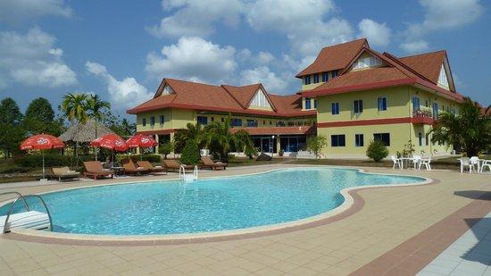 Don Bosco Hotel School: pool