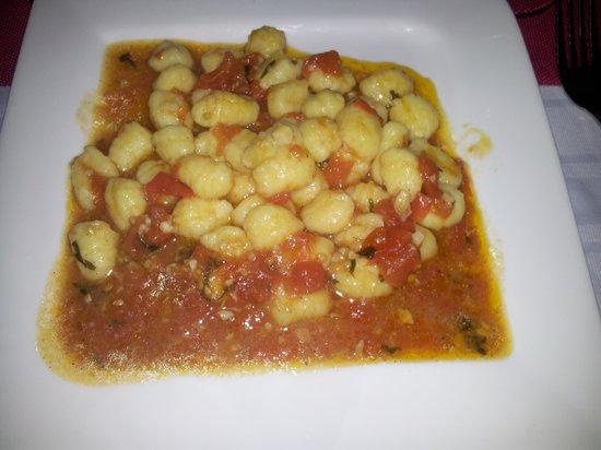 Hotel Casino Niza : Ñoquis en salsa de Tomate Basilico