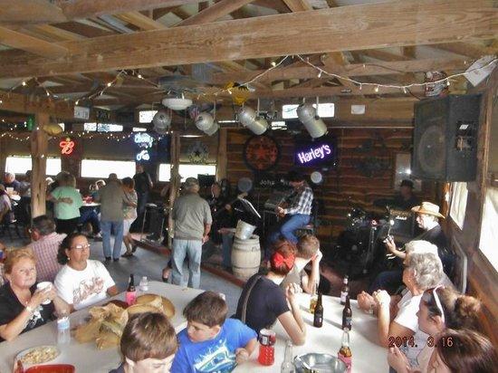 Harley's Beer Garden: Band at Harley's