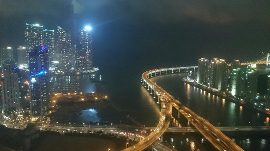 Centum Guesthouse: Crazy view from 42 floor