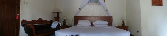 Parigata Villas Resort: Кровать в номере ...удобная