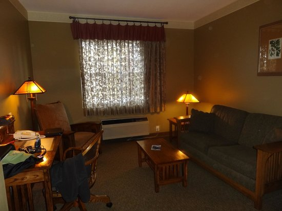 Best Western Plus Sunset Suites-Riverwalk: Loved the drapes!  king suite