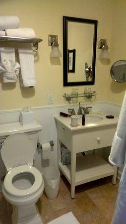 Kingsmill Resort: Spacious Bathroom