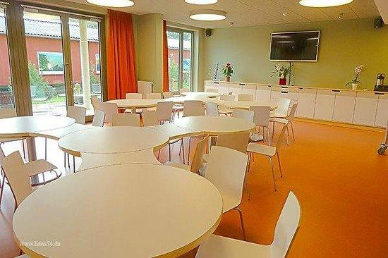 Hostel Haus 54 Zingst: Frühstückslounge