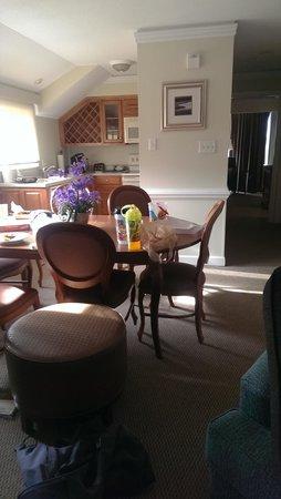 Kingsmill Resort: dining area
