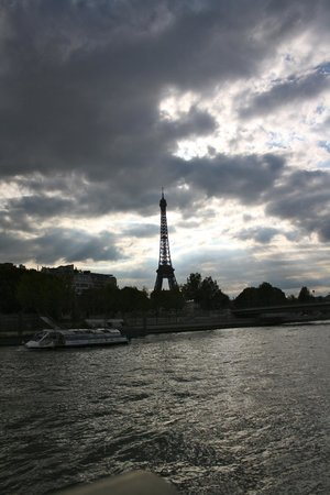 Bateaux Mouches-cruise on the Seine