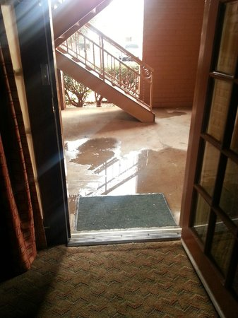 MCM Elegante Suites : The puddle in front of our door