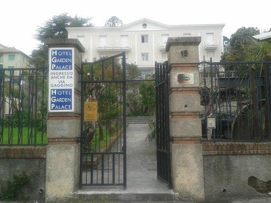 Hotel Garden Palace: Ingresso struttura Garden