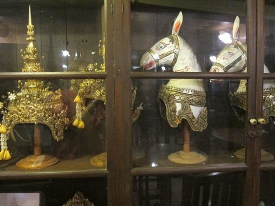 Ruean Thai Hotel : Antiquitäten an jeder Ecke