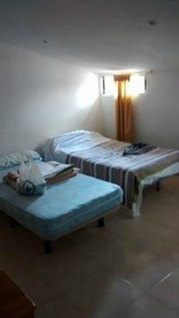 Equity Point Madrid Hostel: Hotel room or prison cell? I can't tell the difference!