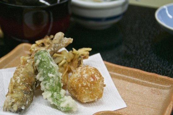 Takayama Kanko Hotel: One of the several small dishes that came with the kaiseki