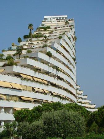Villeneuve-Loubet, France: L'architecture singulière de Marina Baie des Anges