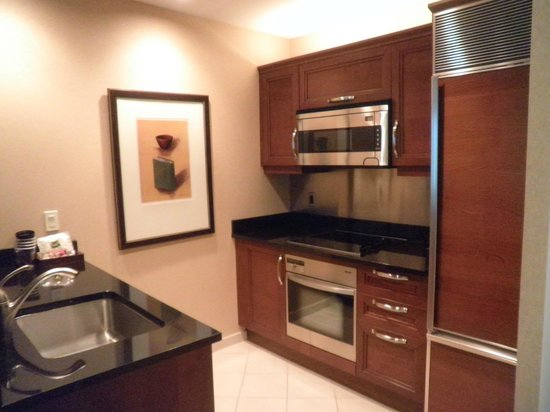 Signature at MGM Grand: Fully Equipped Kitchen / Breakfast Bar