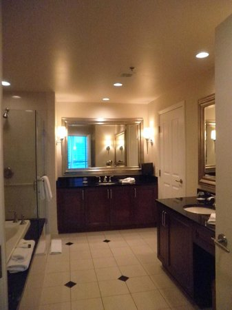 Signature at MGM Grand: Bathroom with Shower & Whirlpool Bath