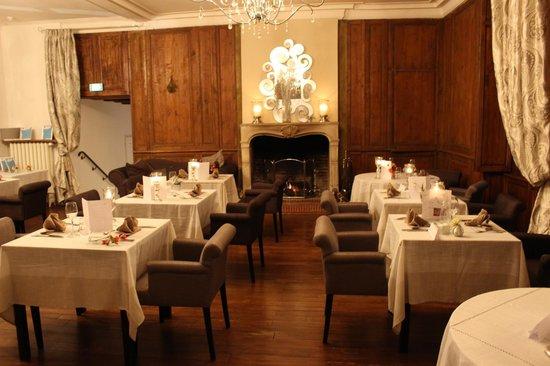 Hotel Chateau le Sallay : salle à manger