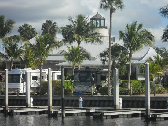Everglades Isle RV Resort: Our RV and Club house