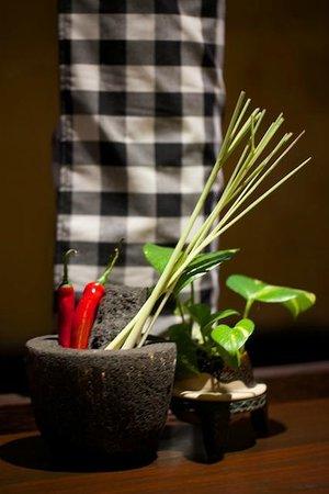 Bumbu Bali: Table Decoration
